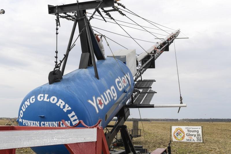 YoungGlory_003_e58c6863ea24a8aae0f21791b5524d4e